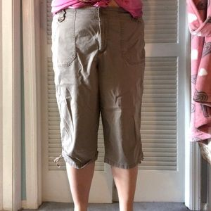 Gloria Vanderbilt size 18W capris